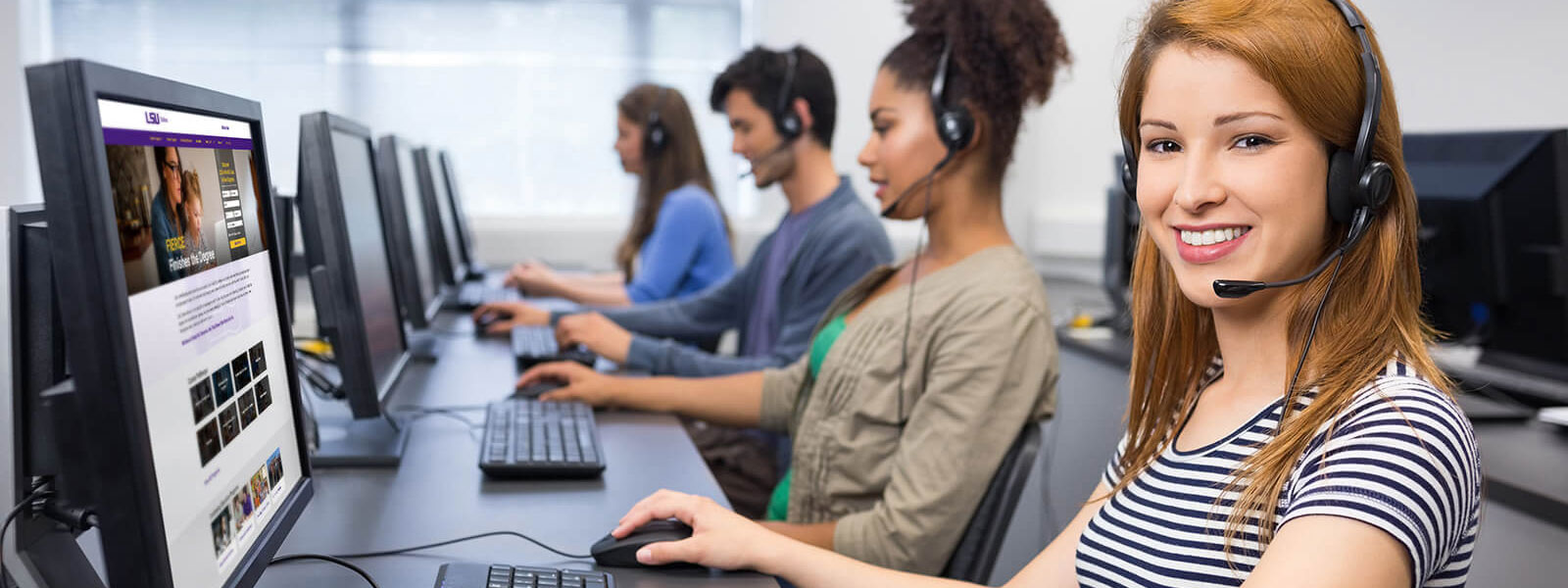 customer support team responding to calls